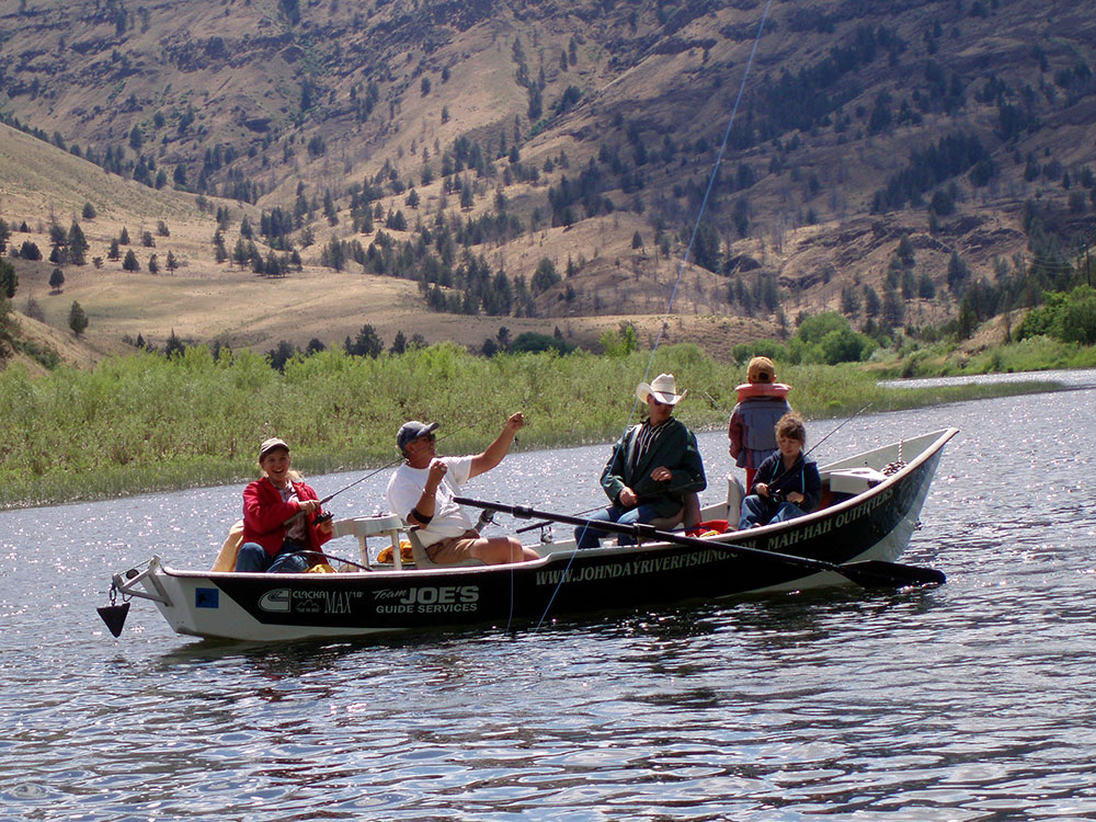 Wilson ranches retreat fossil oregon bed and for John day river fishing